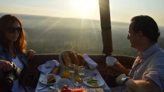 Petit-déjeuner à Bord De La Montgolfière, Au Départ De Villiers-le-Mahieu, Le 25 Juillet 2014